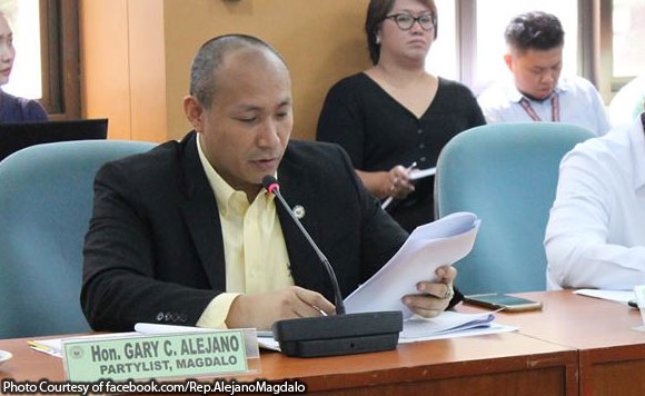 Alejano: Chinese vessels left Benham Rise 2 days before Duterte's order to leave